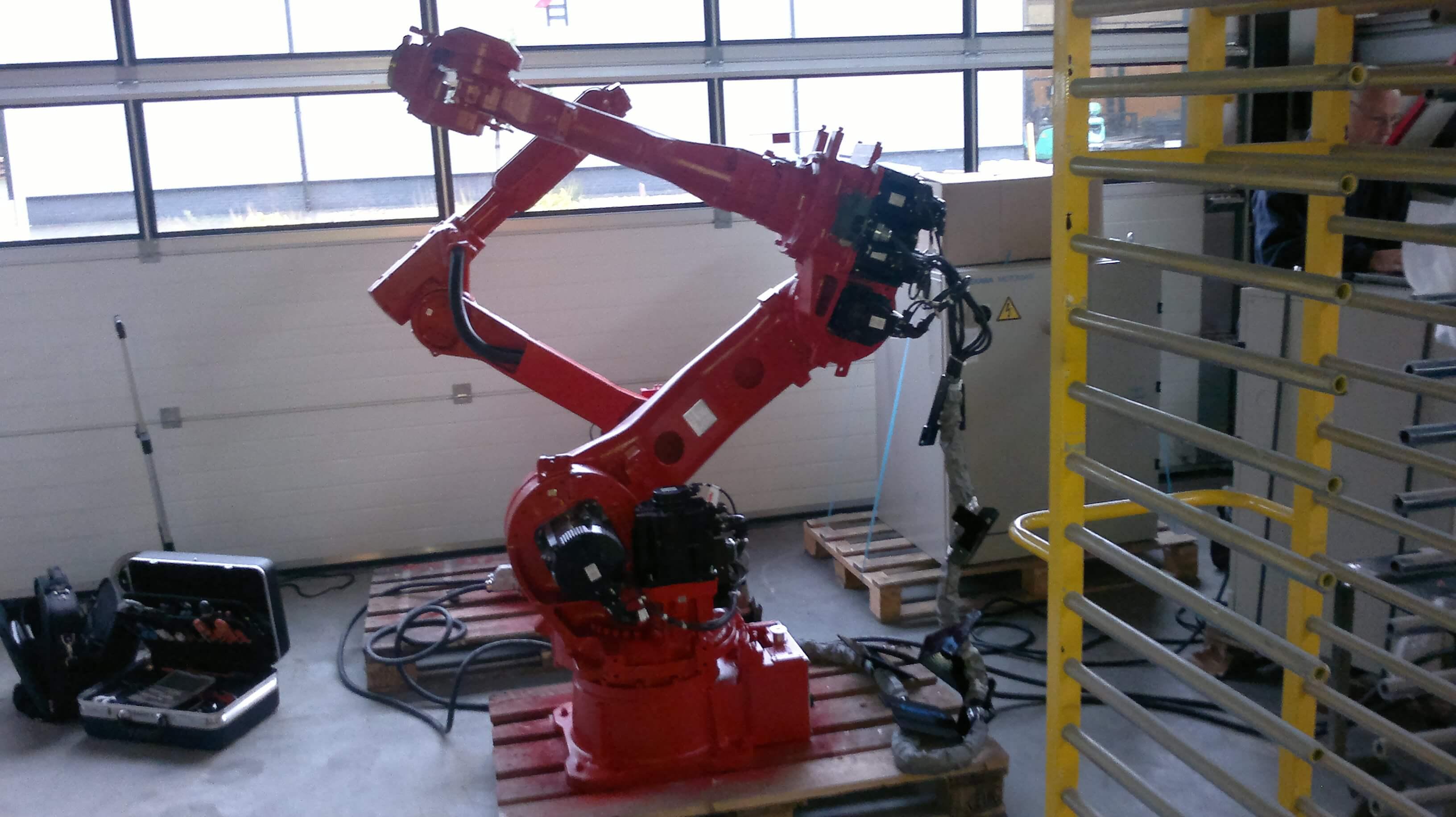 Robot 1natlak 001 (1)